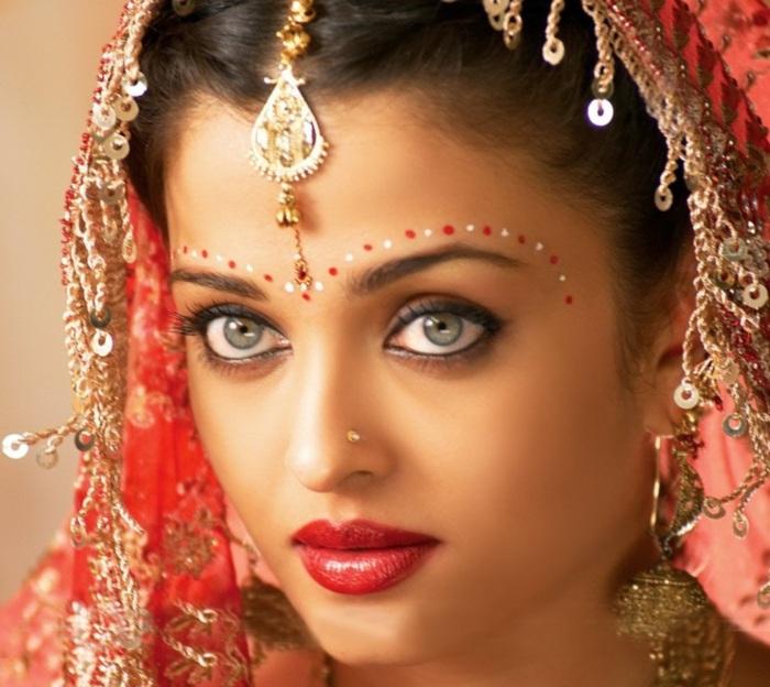 Aishwarya Rai :: Celebrities :: MyNiceProfile.com